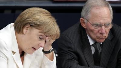 Συνταγματικό Δικαστηρίο Καρλσρούης: «Ελλιπής» η ενημέρωση της Βουλής για το Grexit από Merkel - Schäuble