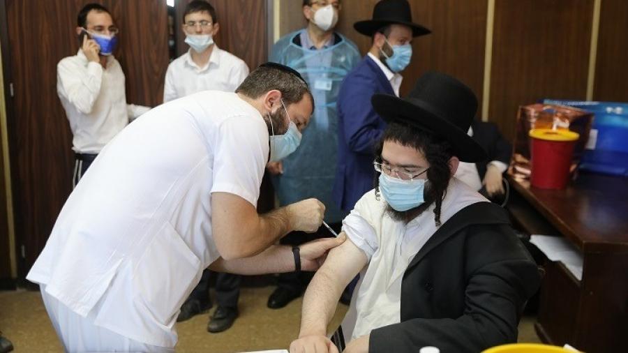 Ισραήλ: Νόμος επιτρέπει στις αρχές να γνωρίζουν τα ονόματα των πολιτών που δεν έχουν εμβολιαστεί