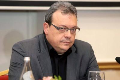 Φάμελλος: Γιατί η κυβέρνηση δεν διαπραγματεύεται με τους Θεσμούς για τη μείωση των πλεονασμάτων;