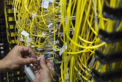 Συμφωνία Grid Telecom - Vodafone Ελλάδας για την αξιοποίηση του δικτύου οπτικών ινών