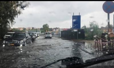 Κέρκυρα: Πλημμύρισαν σπίτια και επιχειρήσεις από την κακοκαιρία, προβλήματα και στο αεροδρόμιο