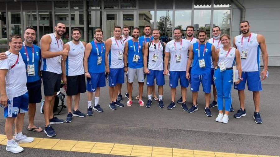 Ο Ολυμπιονίκης Στέφανος Ντούσκος με την Εθνική ομάδα πόλο!