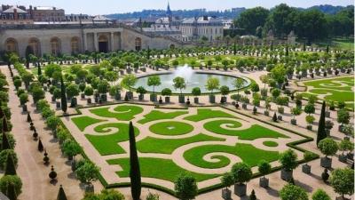 Γαλλία: Στο Παλάτι των Βερσαλλιών λειτουργεί το νέο ξενοδοχείο Grand Controle για βασιλικές... διακοπές