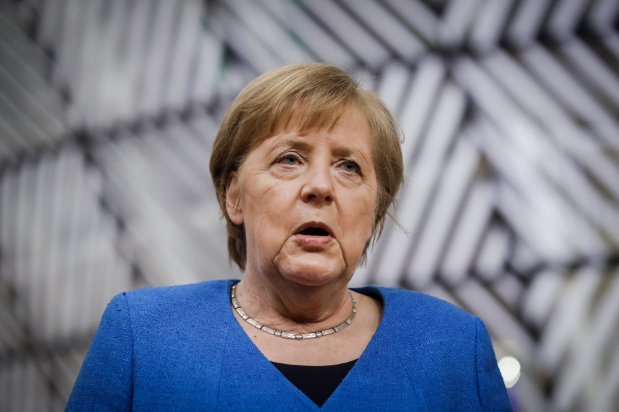 Merkel: Να επαναφέρουμε τα δημόσια οικονομικά σε τάξη τα επόμενα χρόνια