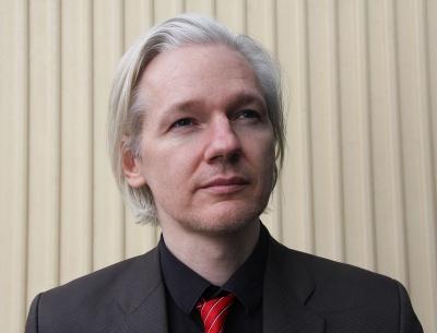 Βρετανία: Αναβλήθηκε για τον Σεπτέμβριο 2020 η δίκη για έκδοση του Assange στις ΗΠΑ