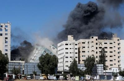 Εικόνα  ντοκουμέντο – Λίγο πριν ο ισραηλινός πύραυλος ισοπεδώσει το κτίριο του AP και του Al Jazeera