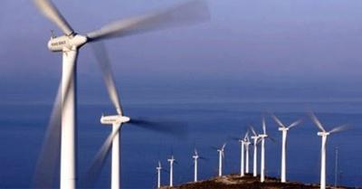 ΥΠΕΝ: Απλοποιούνται δραστικά οι άδειες παραγωγής για αιολικά και φωτοβολταϊκά