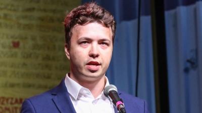 Φόβοι για βασανισμό του 26χρονου δημοσιογράφου μετά την «αεροπειρατεία» στην πτήση της Ryanair