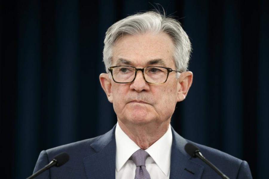 Powell (Fed): Ισχυρότερη η ανάπτυξη της αμερικανικής οικονομίας αλλά παραμένει η απειλή του Covid