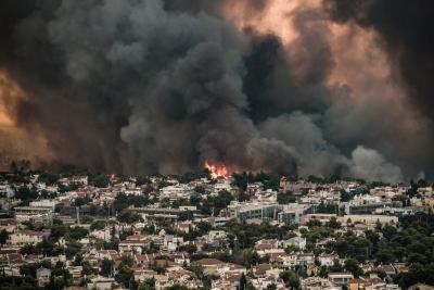 Φωτιά - Βαρυμπόμπη: Ακραία συμπεριφορά πυρός - Δημιούργησε τον δικό της καιρό
