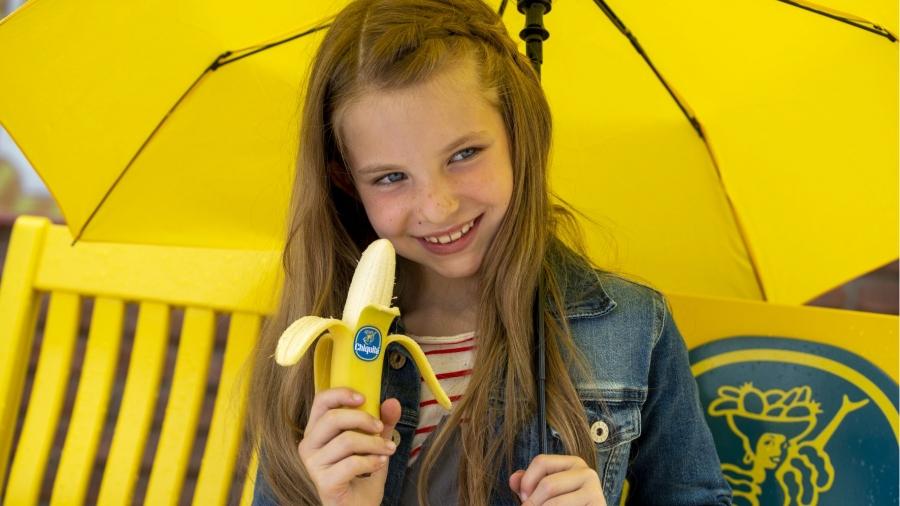 Η Chiquita χρωματίζει τον κόσμο κίτρινο με τη νέα της καμπάνια