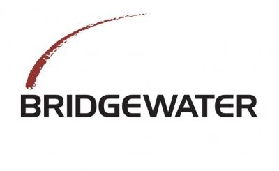 Bridgewater: Αν και αναμένεται επιβράδυνση της ανάπτυξης στις ΗΠΑ, έχουν περιοριστεί οι πιθανότητες ύφεσης