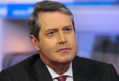 Quarles (Fed): Οι κεντρικές τράπεζες δεν πρέπει να επηρεάζονται από πολιτικές πιέσεις