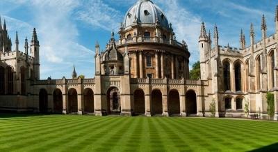 Πανεπιστήμιο Οξφόρδης (Βρετανία): Τα αντιβιοτικά αζιθρομυκίνη και δοξυκυκλίνη δεν είναι αποτελεσματικά στην νόσο Covid-19