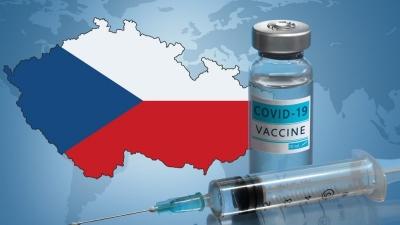 Τσεχία: Η κυβέρνηση συστήνει να εμβολιάζονται με AstraZeneca και J&J μόνο οι άνω των 60