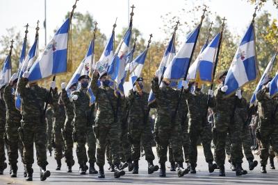 Μεγαλειώδης στρατιωτική παρέλαση στη Θεσσαλονίκη - Μήνυμα Παναγιωτόπουλου στην Τουρκία