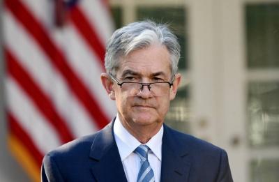 Powell: Η Fed πράττει με βάση τα δεδομένα – Λιγότερο ευνοϊκές οι συνθήκες στις αγορές