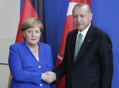 Φιάσκο η Σύνοδος με νέα πίστωση χρόνου σε Τουρκία - H Merkel παραπέμπει σε ΝΑΤΟ, ΗΠΑ για embargo όπλων - Erdogan: Η ΕΕ δεν θα αποφασίσει κυρώσεις τον Μάρτιο