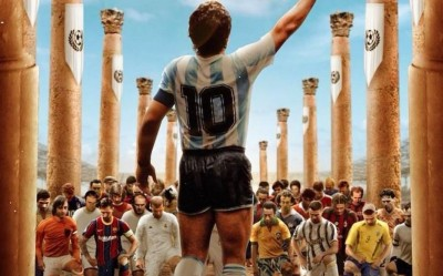 O πλανήτης αποχαιρετά τον Maradona, χιλιάδες στους δρόμους της Αργεντινής - Σε λαϊκό προσκύνημα η σορός του