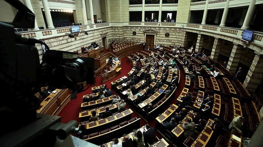 Ψηφίσθηκε το ν/σ του ΥΠΟΙΚ για την πάταξη του λαθρεμπορίου και οι υπουργικές τροπολογίες