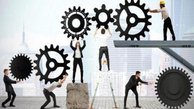 Υπερωρίες και διευθέτηση χρόνου εργασίας: Τι είναι και πως λειτουργούν με βάση το νέο ν/σ