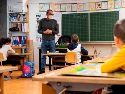 La Repubblica - Ιταλία: Στο τραπέζι ο υποχρεωτικός εμβολιασμός των εκπαιδευτικών