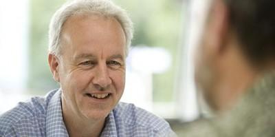 Dougan (Επιδημιολόγος Cambridge): Απαντήσεις σε καίρια ερωτήματα γύρω από το εμβόλιο για τον κορωνοϊό