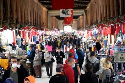 Ποια πανδημία; Η πόλη Edirne παραμένει το αγαπημένο σημείο αγορών για τους Βούλγαρους και γίνεται χαμός