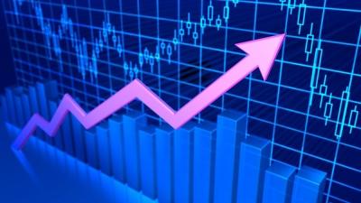 Λίγο μετά το άνοιγμα του ΧΑ – Με αρωγό τις ξένες αγορές πάνω από τις 900 μονάδες – Χαμηλός ο τζίρος