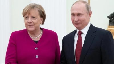 Η Merkel ζήτησε από τον Putin την απελευθέρωση του Navalny