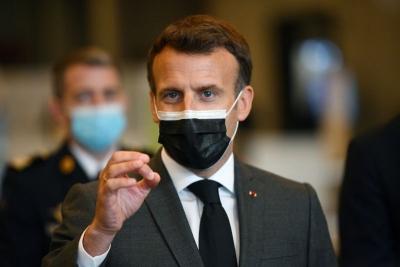 Macron (Γαλλία): Το κρίσιμο ζήτημα δεν είναι οι πατέντες αλλά η παραγωγή και η διανομή των εμβολίων Covid-19