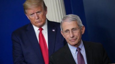 Trump: Μας έχει… κάψει ο ηλίθιος ο Fauci, όποτε βγαίνει στην τηλεόραση μας καταστρέφει