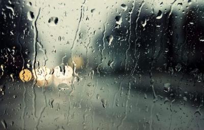 Καιρός: Βροχές την Κυριακή 24/10 σε αρκετές περιοχές της χώρας,  σποραδικές καταιγίδες στα δυτικά και νότια