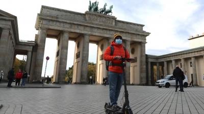 Ιταλία και Γερμανία καθιστούν αυστηρούς κανόνες για ταξιδιώτες της ΕΕ