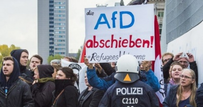 Γερμανία: Επεισόδια σημειώθηκαν μεταξύ ακροδεξιών και αριστερών διαδηλωτών στο Βερολίνο