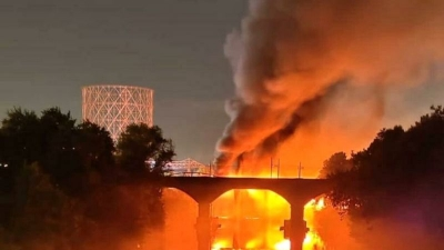 Ιταλία: Κατέρρευσε μέρος της ιστορικής μεταλλικής γέφυρας Ponte di Ferro στη Ρώμη, εξαιτίας πυρκαγιάς