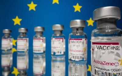 Commission: Απειλές κατά της AstraZeneca εάν δεν παραδωθούν τα εμβόλια στην ΕΕ