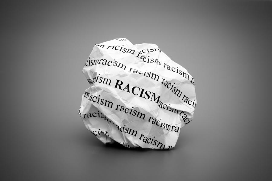Διεύρυνση του ρατσισμού στις γειτονιές «βλέπουν» ανθρωπιστικές οργανώσεις