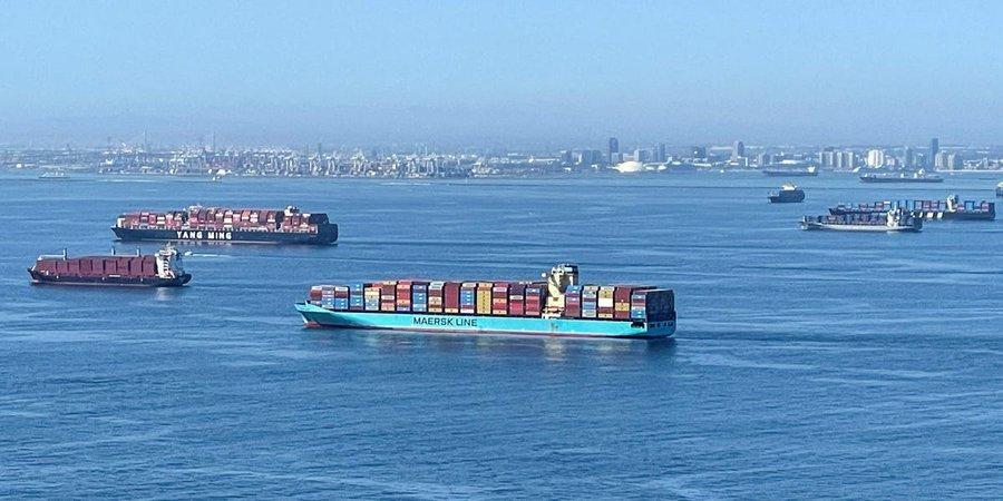 Διευρυμένο ωράριο σε λιμάνια των ΗΠΑ για να ξεφορτώσουν τα πλοία - Χάος στις εφοδιαστικές αλυσίδες