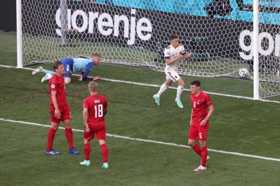 Δανία – Βέλγιο 1-1: Απίστευτη τριπλέτα Λουκάκου-Ντε Mπρόινε-Αζάρ και ισοφάριση για το Βέλγιο (video)