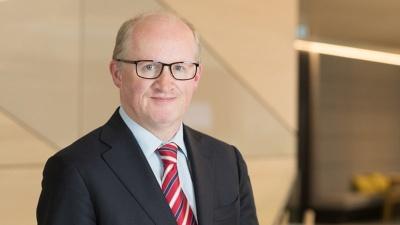 Υποψήφιος για τη θέση του επικεφαλής οικονομολόγου της ΕΚΤ ο Ιρλανδός κεντρικός τραπεζίτης, Philip Lane