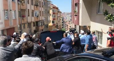 Εξαγριωμένο πλήθος στην Κωνσταντινούπολη επιτέθηκε στην αυτοκινητοπομπή του Ekrem Imamoglu
