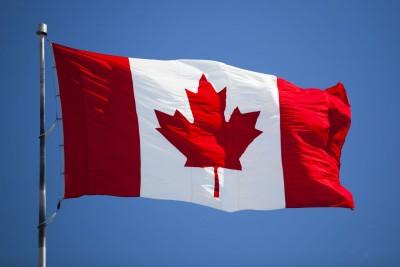 Καναδάς: Τέλος οι πλαστικές σακούλες, καλαμάκια και μαχαιροπήρουνα