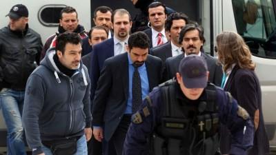Η Τουρκία επαναφέρει το θέμα των «8»: Περιμένουμε τέσσερα χρόνια για την έκδοση των αξιωματικών που διέφυγαν μετά το πραξικόπημα