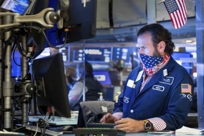 Goldman Sachs, BlackRock, Universa, Ariel, CC Capital: Trading από τα τραπέζια της κουζίνας και deals μέσω zoom – Αυτό ήταν το 2020 για τη Wall Street