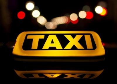 Εταιρεία ταξί προσλαμβάνει οδηγούς με μισθό 5.000 στερλίνες τον μήνα