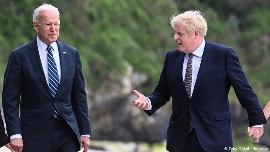 Deutsche Welle: Επιβεβαιώθηκαν οι ιδιαίτεροι δεσμοί μεταξύ ΗΠΑ και Βρετανίας στη συνάντηση Biden – Johnson