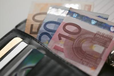 ΕΦΚΑ: Πώς εφαρμόζεται η μείωση των ασφαλιστικών εισφορών