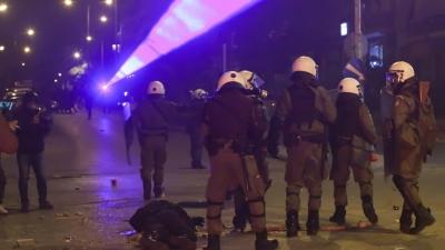 Κατάθεση αστυνομικού που ξυλοκοπήθηκε στη Ν. Σμύρνη: Σταμάτησαν να με χτυπάνε διότι νόμιζαν πως πέθανα