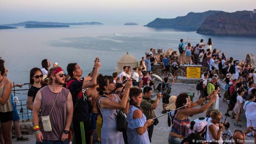 Δημοφιλής παραμένει η Ελλάδα και το Φθινόπωρο - Στο 60% η μέση πληρότητα των ξενοδοχείων